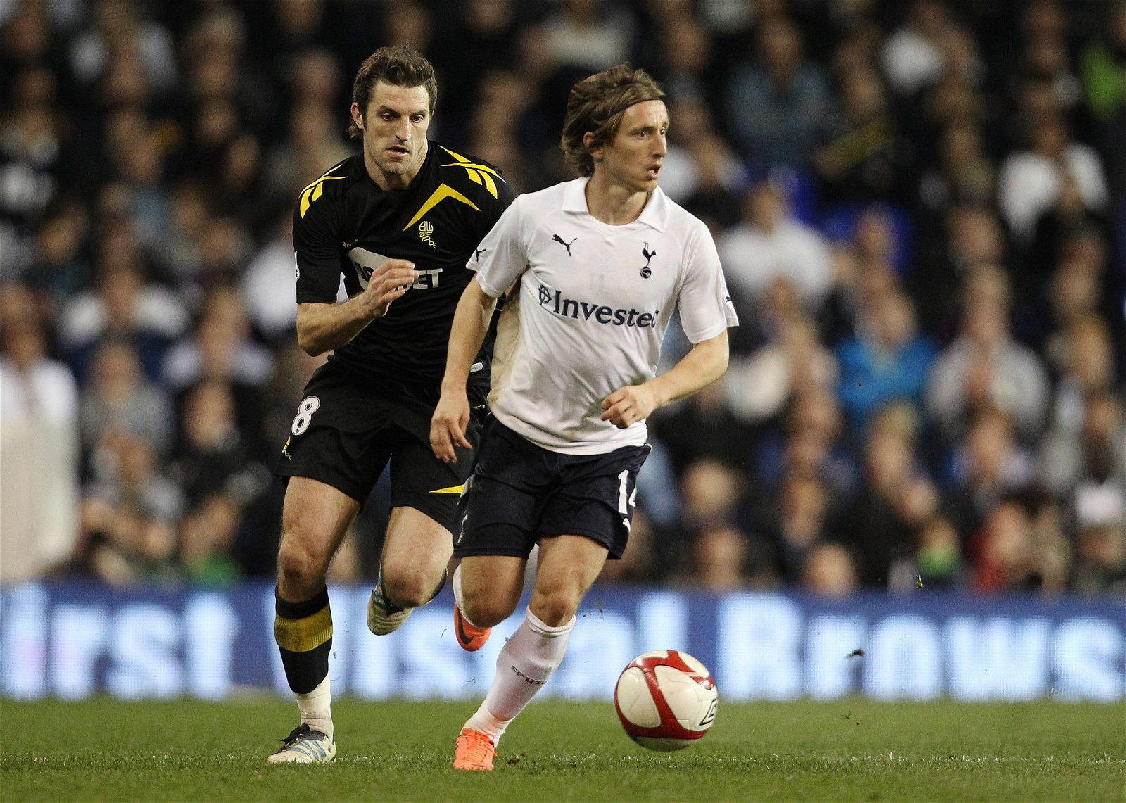 luka-modric-in-action-for-spurs